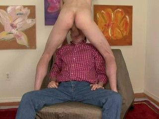 Old DILF sucks huge straight cock